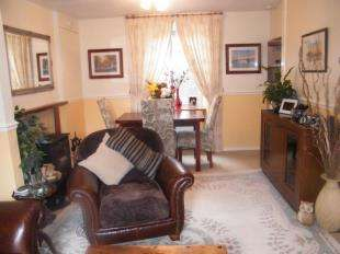 2 Bedrooms Terraced House for sale in Tanner Terrace, Porthmadog, Gwynedd, LL49
