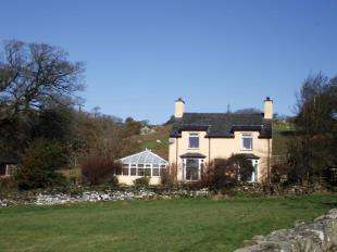 3 Bedrooms Detached House for sale in Pentrefelin, Criccieth, Gwynedd, LL52