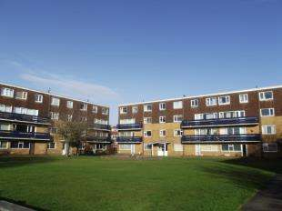 2 Bedrooms Flat for sale in Eldon Court, Lytham St. Annes, Lancashire, FY8