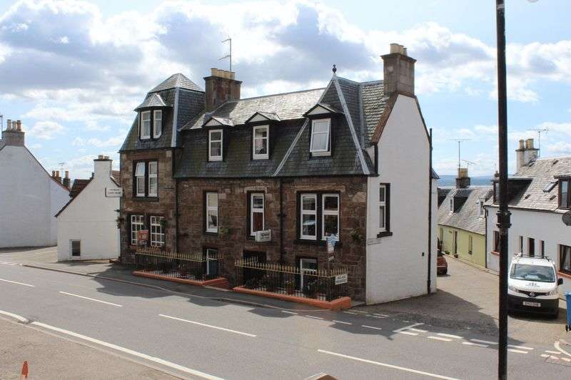 7 Bedrooms Property for sale in Guest House with Development Opportunity
