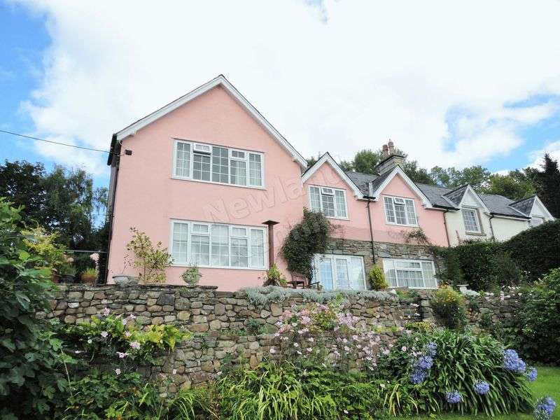 4 Bedrooms Semi Detached House for sale in Coedkernew, Newport