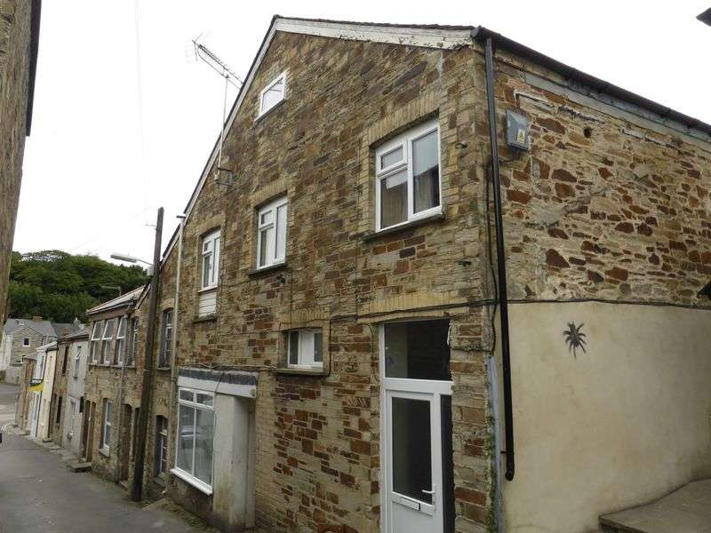 4 Bedrooms Flat for sale in Market Street, Bodmin