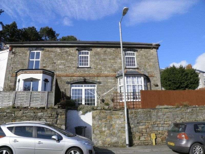 3 Bedrooms Semi Detached House for sale in Albion Road, Pontypool