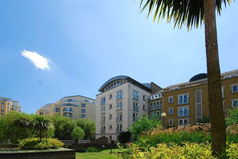 2 Bedrooms Penthouse Flat for sale in Woodland Crescent, Canada Water, SE16