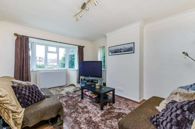 3 Bedrooms Flat for sale in Rigby Close, Croydon, CR0