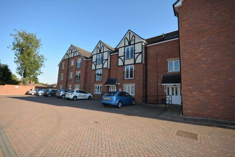 2 Bedrooms Flat for sale in Springfield Drive, Crewe