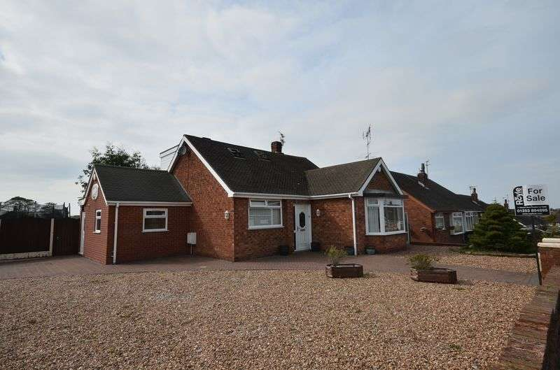 4 Bedrooms Detached House for sale in 28 Brompton Road, Poulton-Le-Fylde FY6 8BW