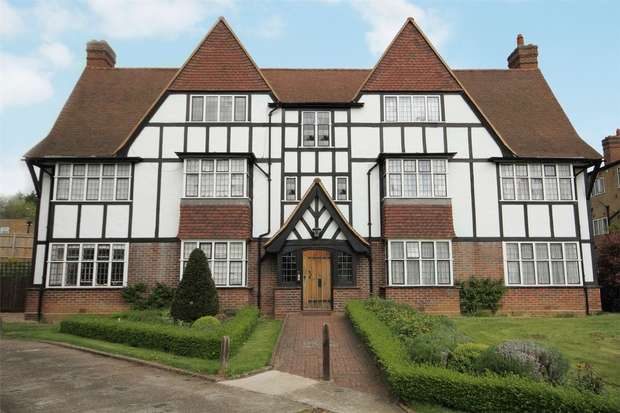 1 Bedroom Flat for sale in Monks Drive, Acton