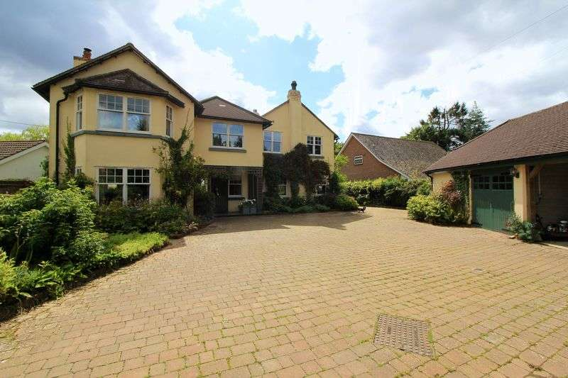 6 Bedrooms Detached House for sale in Wood Lane, Great Missenden