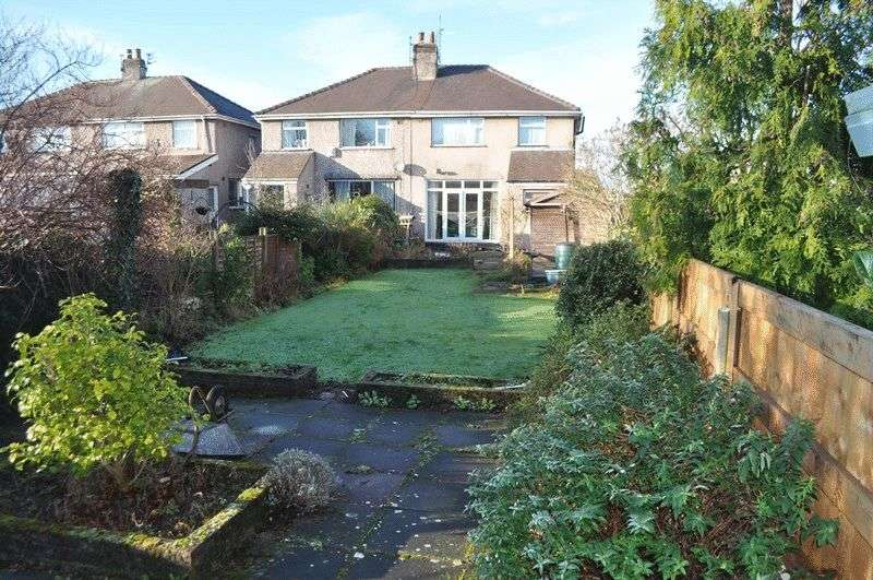 3 Bedrooms Semi Detached House for sale in Malvern Grove, Aintree