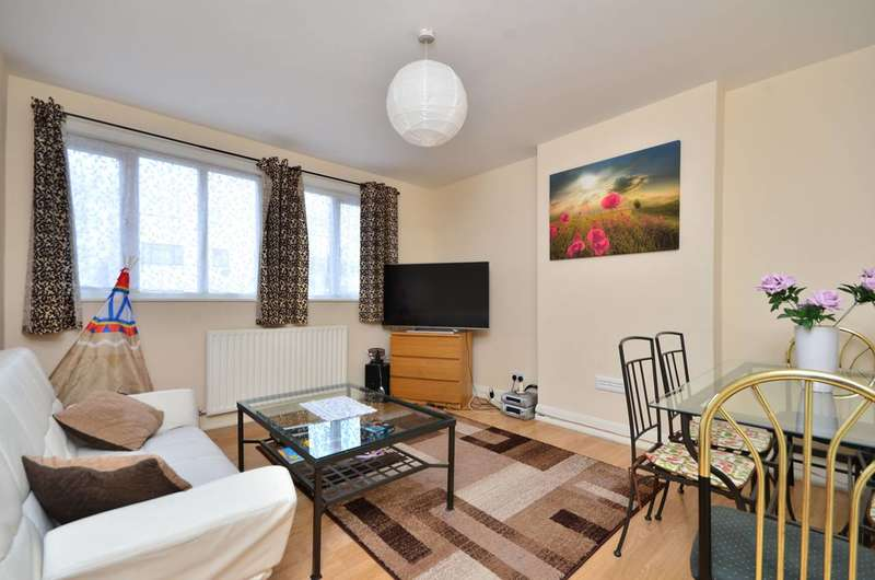 2 Bedrooms Flat for sale in London Road, Mitcham, CR4