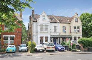 2 Bedrooms Flat for sale in Croham Road, South Croydon