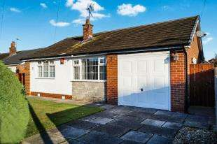 2 Bedrooms Bungalow for sale in Birchwood Drive, Lower Peover, Knutsford, Cheshire