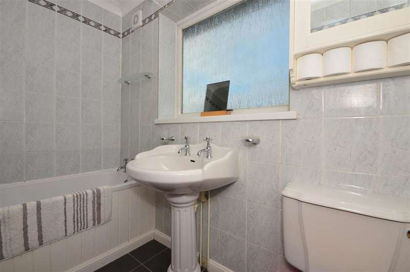 4 Bedrooms Semi Detached House for sale in Swalecliffe Road, Whitstable, Kent