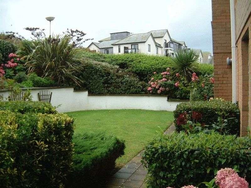1 Bedroom Retirement Property for sale in Penhaven Court, Newquay, TR7 1DZ