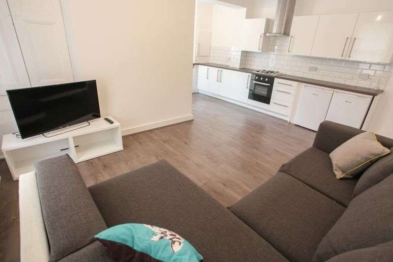 5 Bedrooms Property for rent in Romer Road, Liverpool (2017-18 Academic Year)