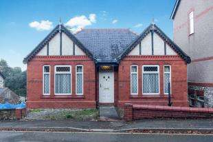 3 Bedrooms Detached House for sale in Brynford Road, Holywell, Flintshire, Holywell, CH8