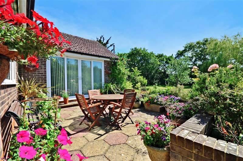 4 Bedrooms Bungalow for sale in Ningwood Hill, Cranmore, Yarmouth, Isle of Wight