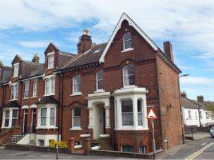 Flat for sale in Maidstone Road, Rochester, Kent