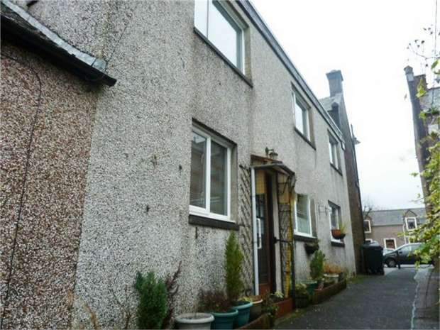 3 Bedrooms Terraced House for sale in Well Vennel, Lochmaben, Lockerbie, Dumfries and Galloway