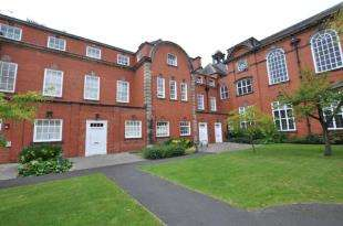 2 Bedrooms Flat for sale in Springhill Court, Liverpool, Merseyside, L15