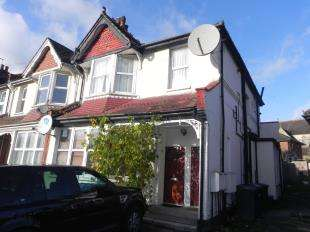 2 Bedrooms Maisonette Flat for sale in Hillside Avenue, London