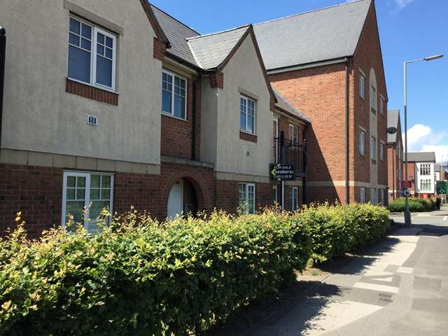 2 Bedrooms Ground Flat for sale in 2 Bedroom Ground Floor Apartment For Sale, Evershed Way, Anglesey, Burton