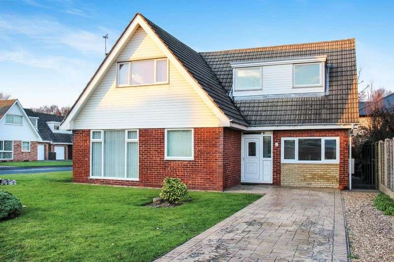 4 Bedrooms Detached House for sale in Forest Drive, Lytham St. Annes