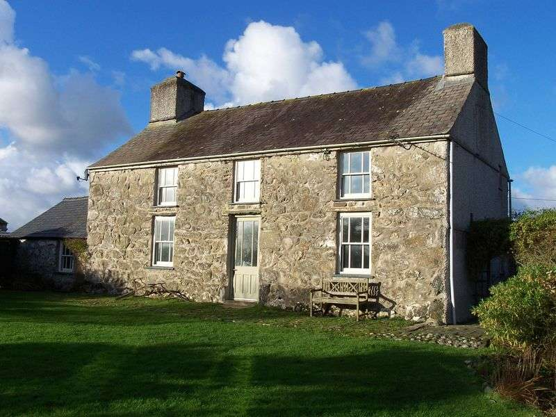 4 Bedrooms Detached House for sale in Trefor, Anglesey