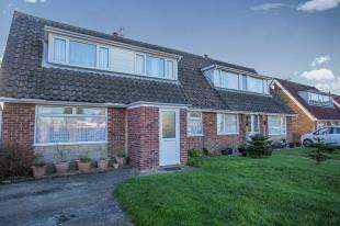 4 Bedrooms Bungalow for sale in Trimingham, Norwich, Norfolk