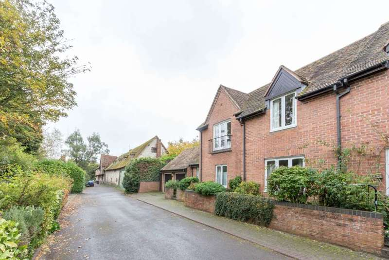 2 Bedrooms Retirement Property for sale in St. Lucians Lane, Wallingford - retirement apartment