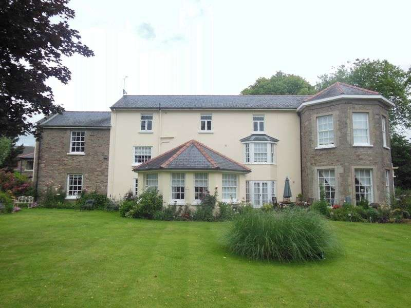 2 Bedrooms Flat for sale in Walford