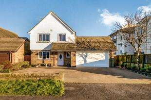 4 Bedrooms Detached House for sale in The Saltings, Littlestone, New Romney, Kent