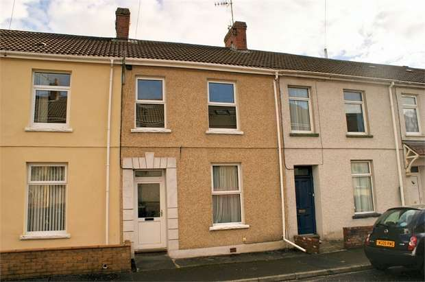 3 Bedrooms Terraced House for sale in Cwm Terrace, Llanelli, Carmarthenshire