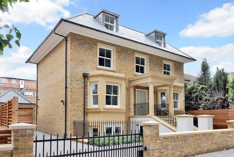 5 Bedrooms Detached House for sale in Albany Park Road, Kingston Upon Thames
