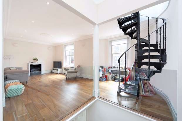3 Bedrooms Flat for sale in Linden Gardens, Notting Hill, W2