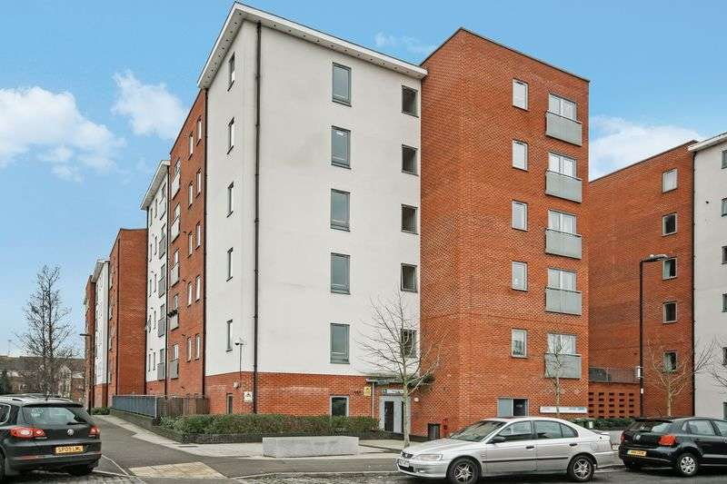 2 Bedrooms Flat for sale in Taywood Road, Northolt