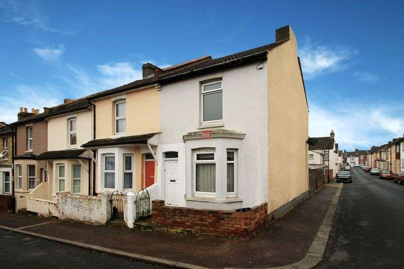 3 Bedrooms Terraced House for sale in Bright Road, Chatham