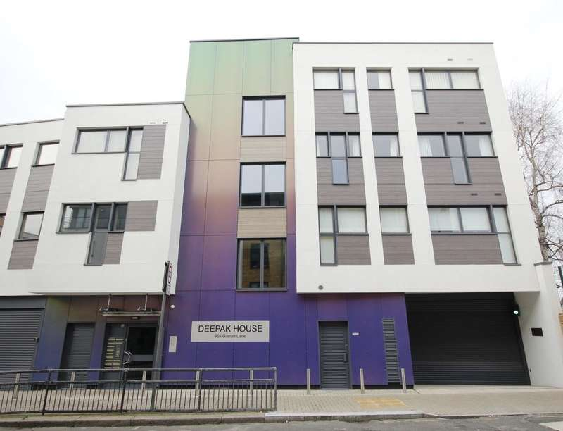 2 Bedrooms Flat for sale in Garratt Lane, London, SW17