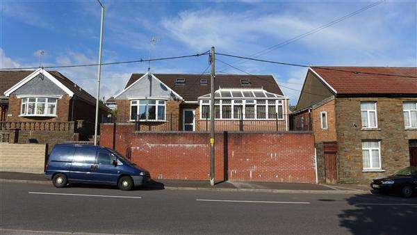 4 Bedrooms Bungalow for sale in Shalomie, Penrhiwfer Road, Tonyrefail, Porth
