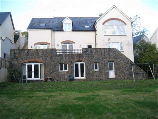 6 Bedrooms Detached House for sale in Incline Way, Pembrokeshire