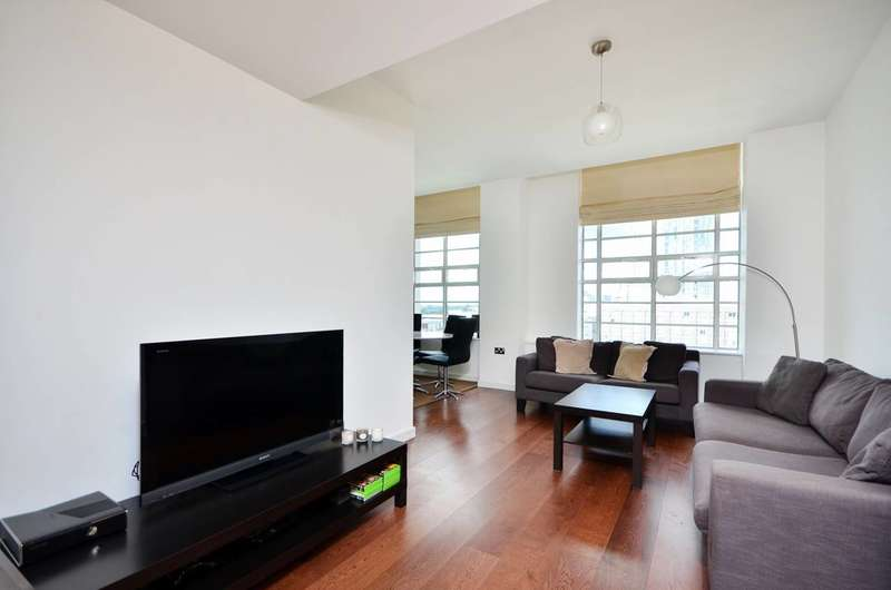 3 Bedrooms Flat for sale in Great West Quarter, Brentford, TW8