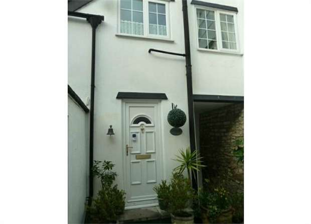 2 Bedrooms Terraced House for sale in Market Square, Axminster, Devon