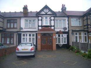 5 Bedrooms Terraced House for sale in Redbridge