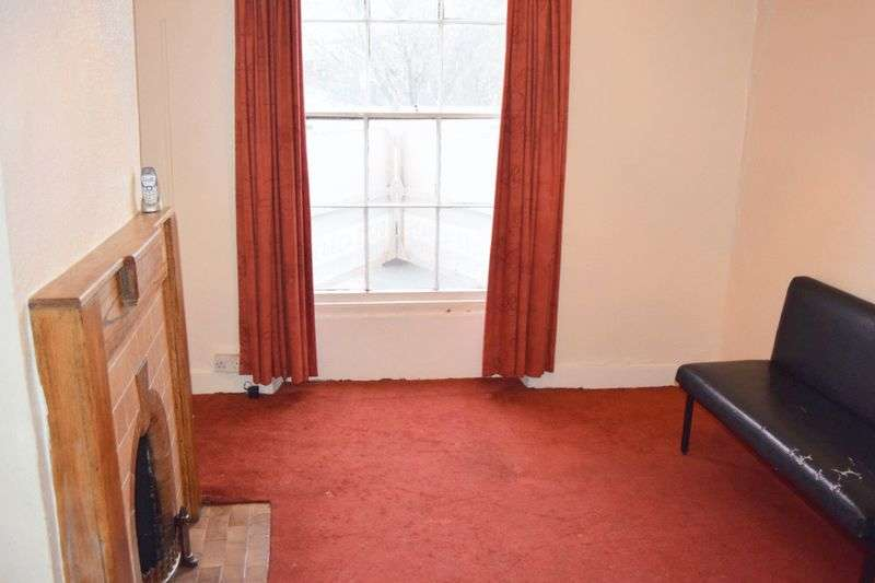 1 Bedroom Flat for sale in High Street, Taunton