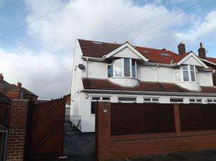 4 Bedrooms Semi Detached House for sale in Roseway, Blackpool, Lancashire, FY4