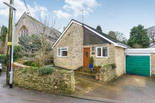 2 Bedrooms Bungalow for sale in Old Town, Brackley, Northamptonshire