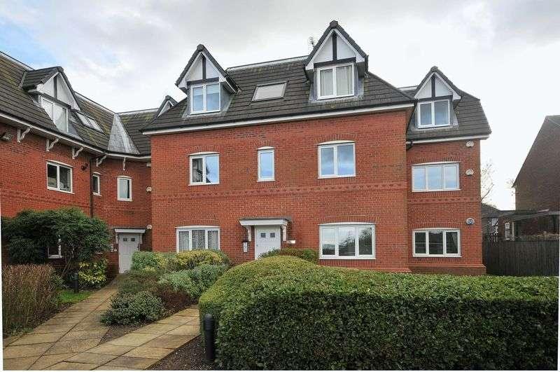 2 Bedrooms Flat for sale in Meadow Court, Wellfield Lane, Hale