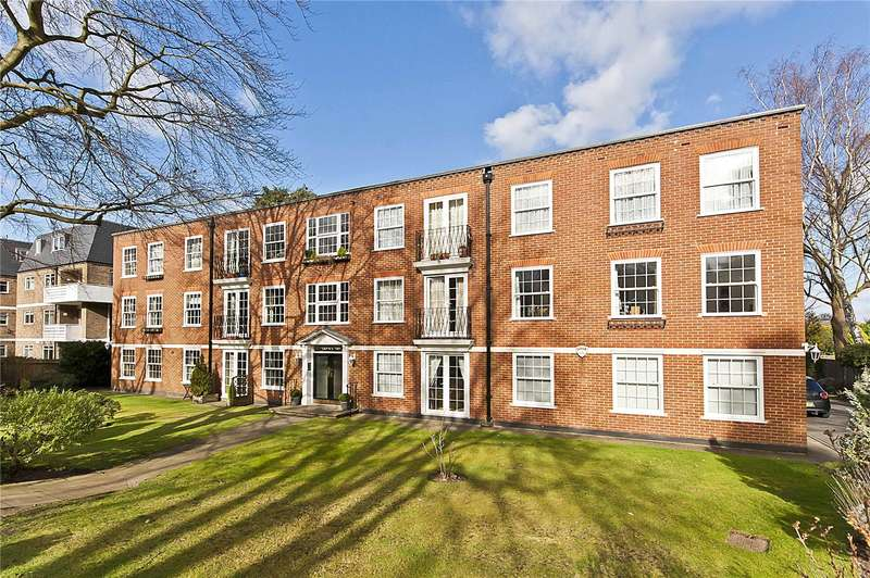 3 Bedrooms Flat for sale in Branksome, Gower Road, Weybridge, Surrey, KT13