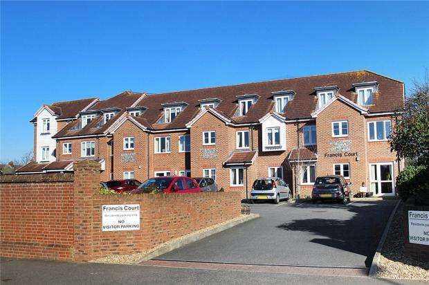 1 Bedroom Retirement Property for sale in Francis Court, 47 Church Street, Littlehampton, West Sussex, BN17